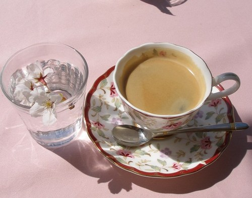 イタリアンレストラン「レプロット」5 テラスでお花見コーヒー